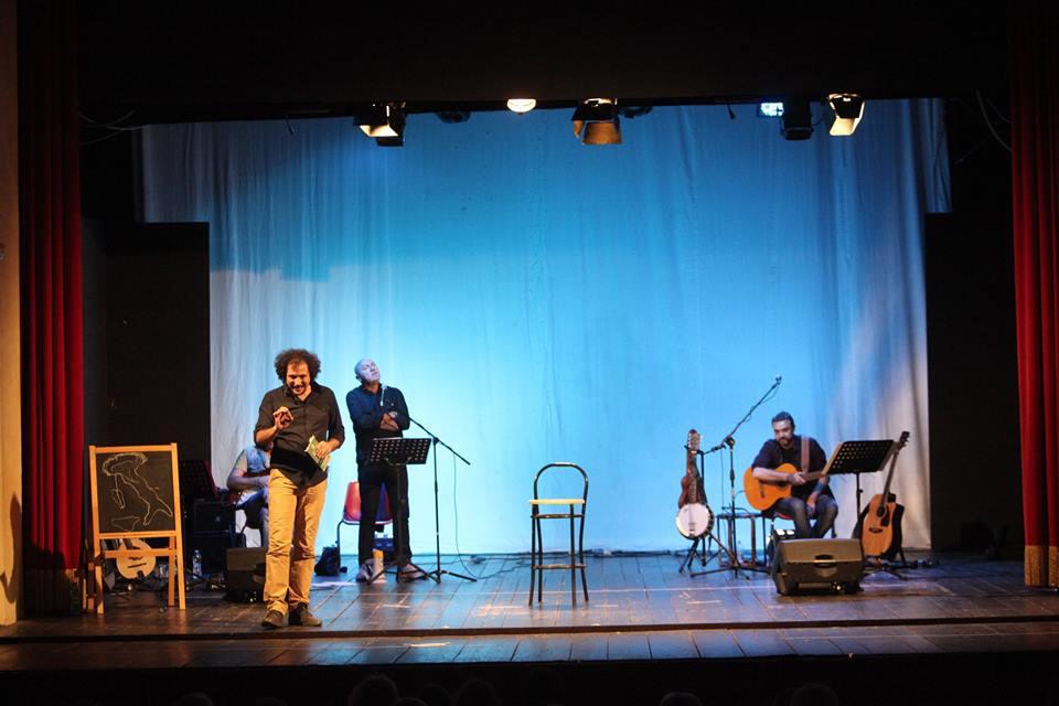 Daniel Tarozzi in scena con Fabrizio Bartolucci e Stefano Fucili