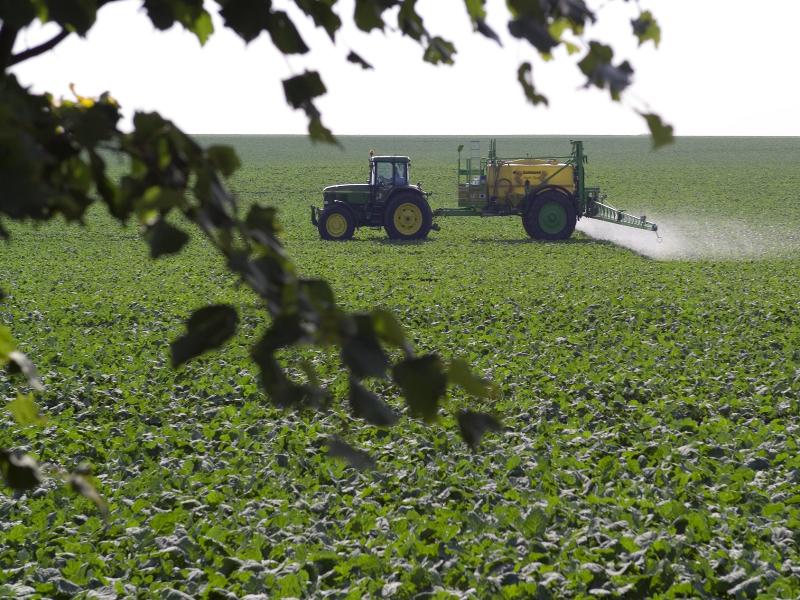 Landwirtschaft/ Ausbringung von Chemikalien auf Landwirtschaftliche Flächen