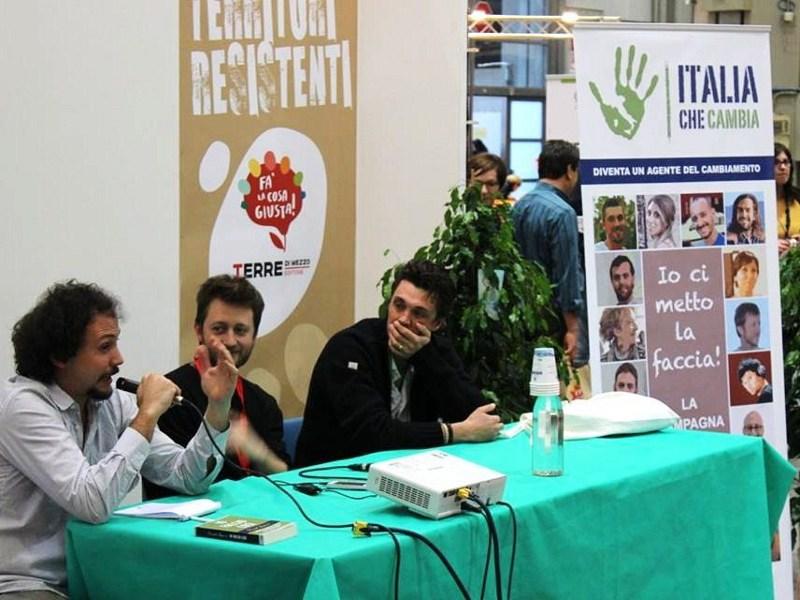 Daniel Tarozzi, Andrea Degl'Innocenti e Filippo Bozotti presentano Italia che Cambia alla fiera Fa' la cosa giusta