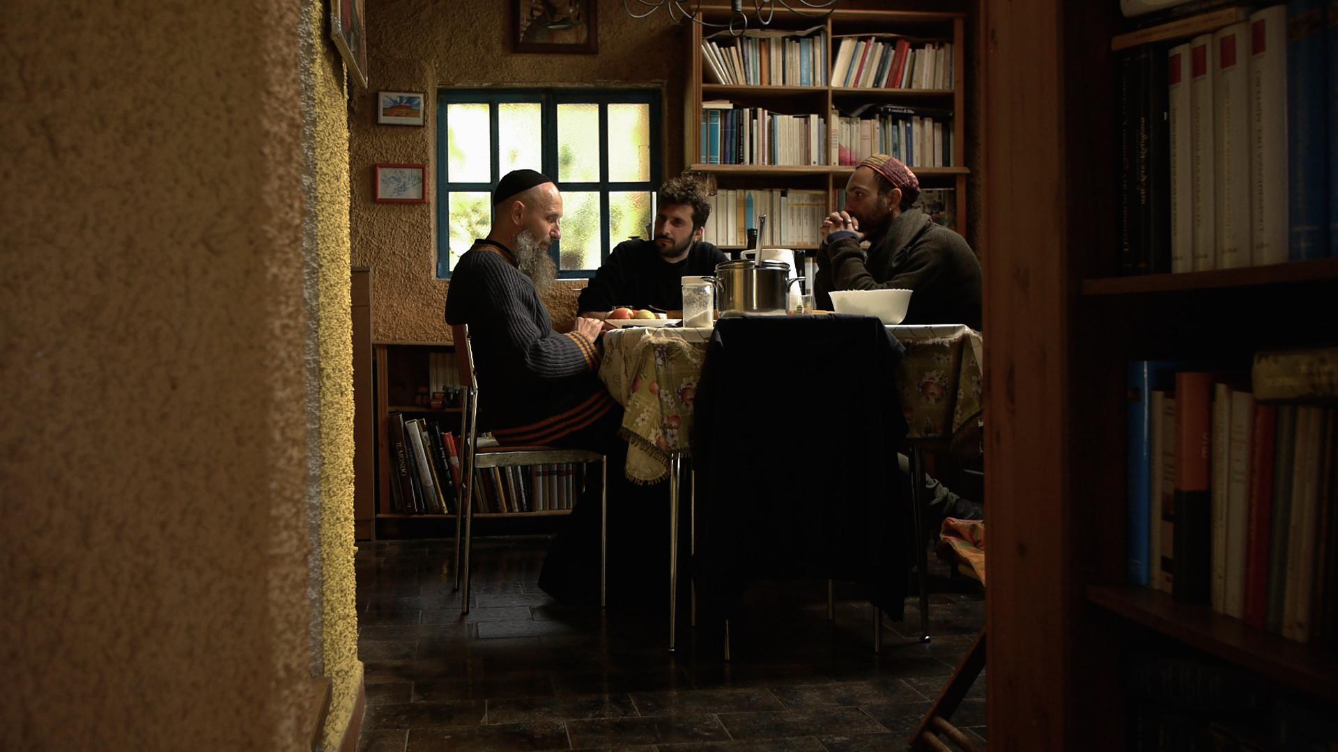 Alessandro Seidita e Joshua Wahlen con Padre Isacco