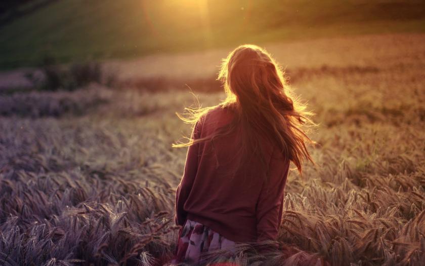 girl-walking-in-wheat-field-hd-nature-wallpaper