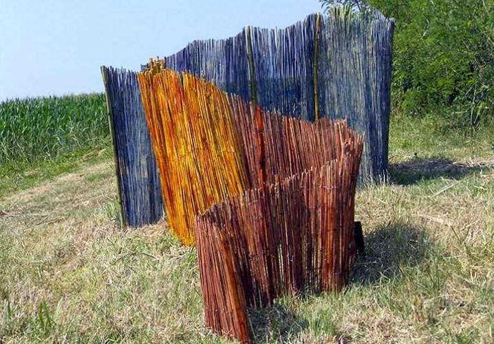 Installazione di Irene Russo, un'artista viaggiatrice di Avellino