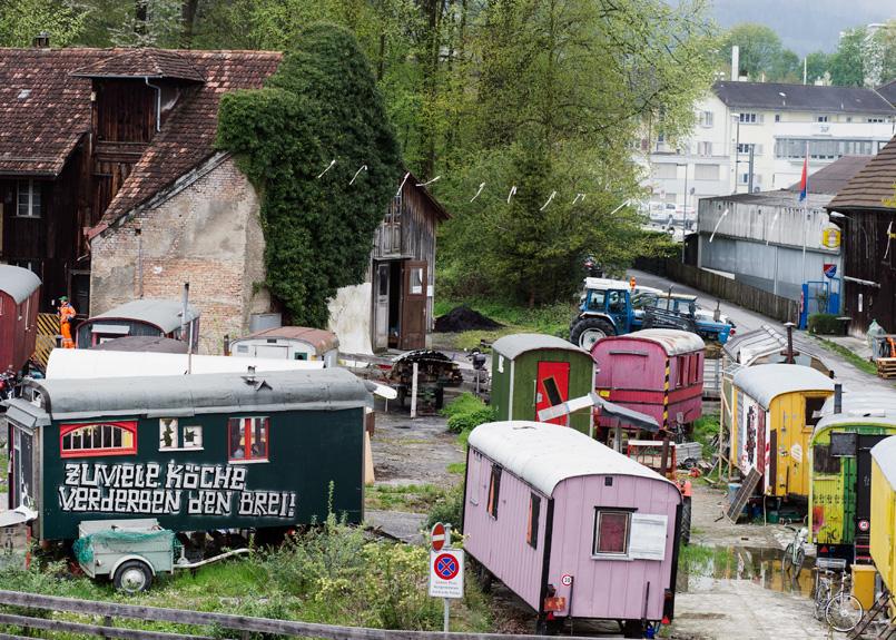 Nati in Germania i wagenplatz sono furgoni, caravan o case autocostruite che sorgono all'interno delle città