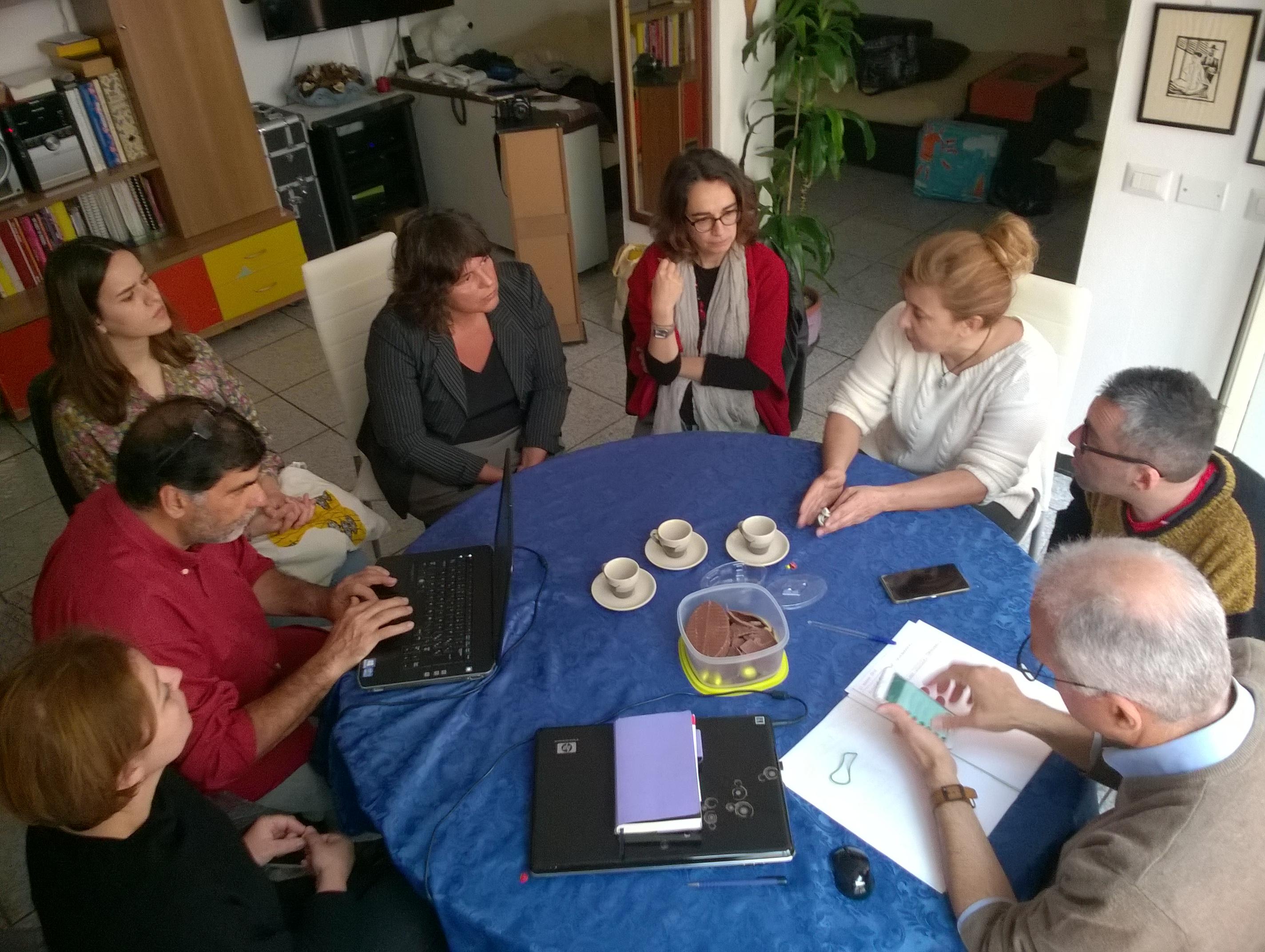 Una riunione del progetto Food Coop