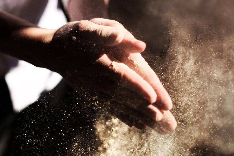 hands-731241_960_720