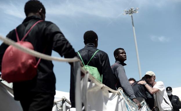 inmigracion-refugiados-efecto-economico-positivo-kaaG-U60151504241KAB-624x385@RC