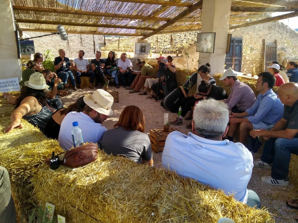 L'incontro tra agricoltori, produttori e partner internazionale del consorzio AlVelAl durante il Re-generation festival il 29 settembre 2018