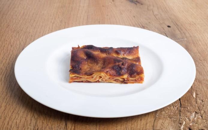 Lasagna al ragù (Foto di Francesco Fioramonti)