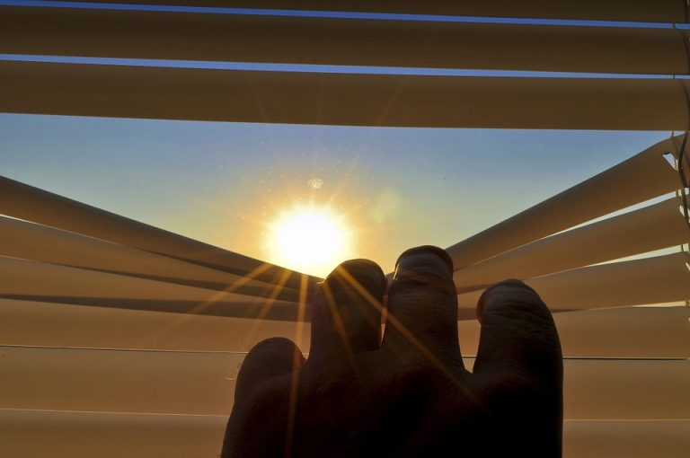 blinds-201173_960_720-768x510