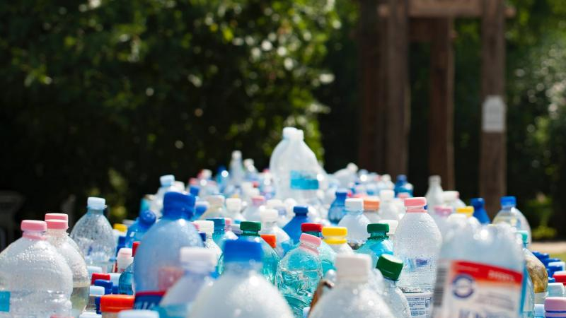 divieto-di-plastica-piemonte-campagna-inquinamento-mari