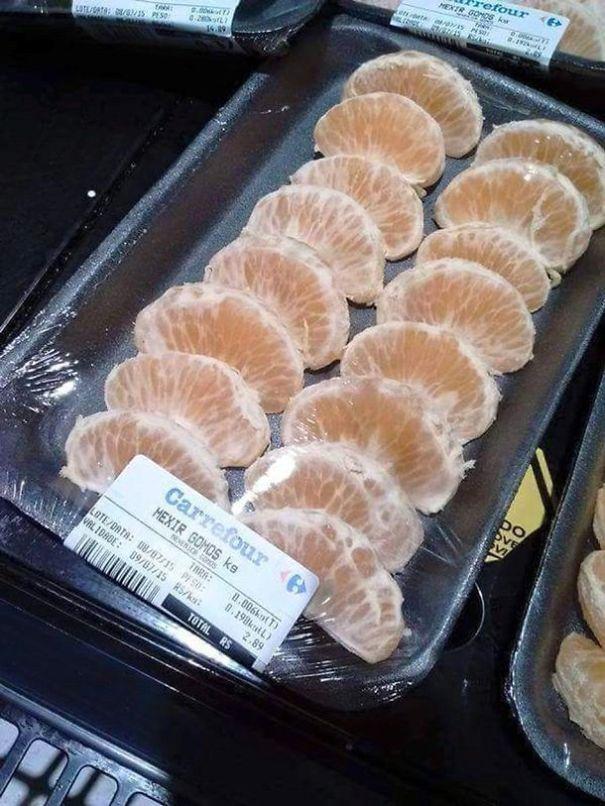 Fette di mandarino in vendita da Carrefour. (goldfishstick)