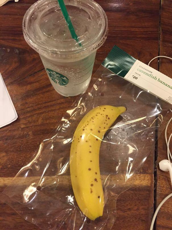 Banana imballata singolarmente. (ceyycevy)