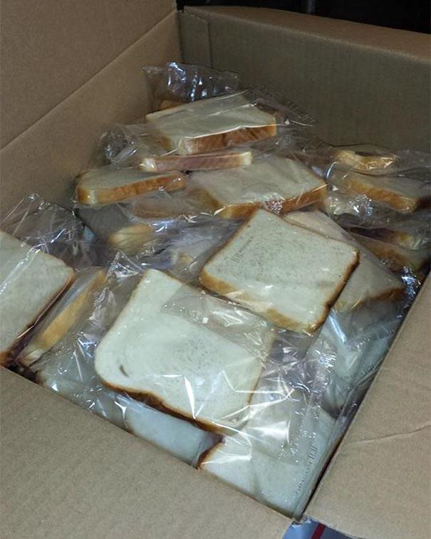 Fette di pane confezionate singolarmente. (SaveLakeCanton)