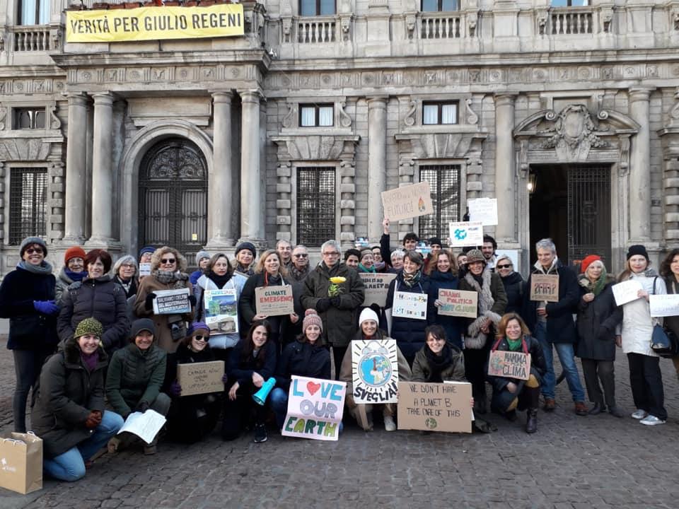 Il Friday For Future del 25 gennaio a Milano (foto tratta dal gruppo Facebook Fridays For Future Italy)
