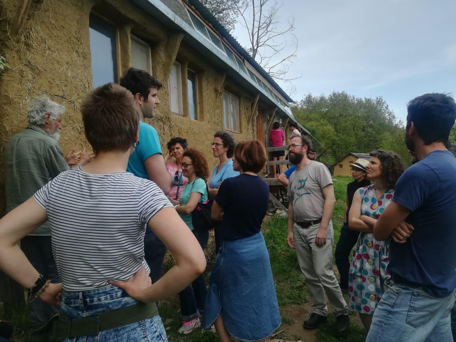 Il gruppo a Panta rei, sul lago Trasimeno, dove ha trascorso tre giorni di lavoro e condivisione