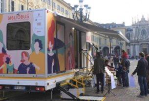 Bibliobus: la biblioteca itinerante che a Torino promuove la cultura
