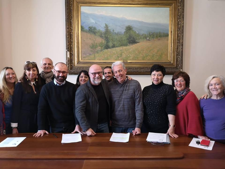 La firma del protocollo tra la Rete Olistica di Livorno ed il Comune