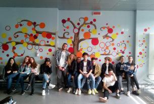 Gli studenti colorano il reparto di oncologia dell'ospedale