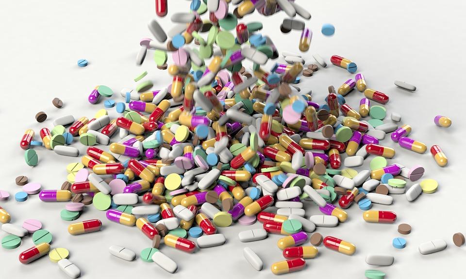 pills 3673645 960 720