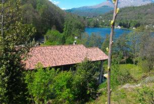 La cascina sul lago che trasforma le sue piante in detersivi ecologici