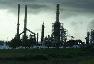 Così le compagnie fossili denunciano gli Stati per bloccare la transizione ecologica