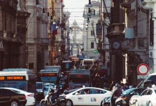 Blocco del traffico contro lo smog? Servono misure a lungo termine
