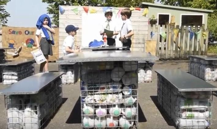 aula riciclata caternews