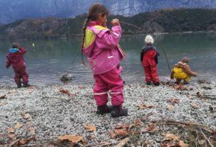 Perché fa bene educare i bambini in una scuola nel bosco