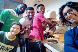 Cittadini stranieri aprono le porte di casa e invitano i vicini a gustare le cene dal mondo