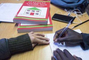 Le scuole per migranti Penny Wirton, un modello di umanità e accoglienza