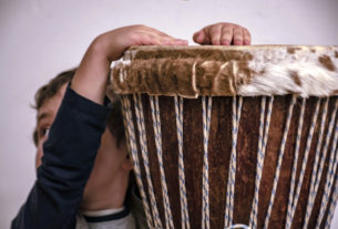 Dedalo: la musicoterapia che aiuta le famiglie in difficoltà