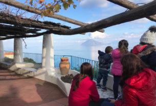 I cinque studenti dell'isola di Alicudi e la resilienza delle piccole scuole