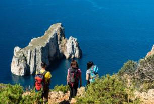 Il turismo lento in Sardegna: le proposte per un'estate in cammino