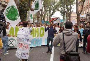"""Al Giffoni Film Festival """"Ragazzi irresponsabili"""", il docufilm sui Fridays For Future"""