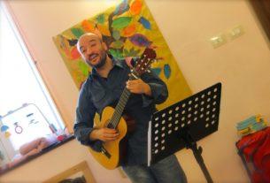 Dario Apicella, il cantastorie che fa innamorare i bambini dei libri