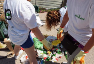 I Deplasticati: il gruppo sanremese che libera la città e le spiagge dai rifiuti