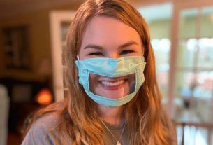 """L'appello di Laura, sorda dalla nascita: """"Usate le mascherine trasparenti!"""""""