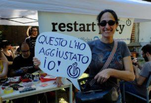 """Restarters Milano: """"Caro utente, non cambiare il tuo smartphone, riparalo!"""""""