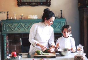 Marta, la chef che prepara piatti vegetariani e racconta la storia del suo territorio