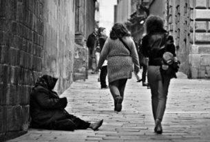 Crisi Covid-19, in Italia aumentano i casi di povertà di donne e giovani
