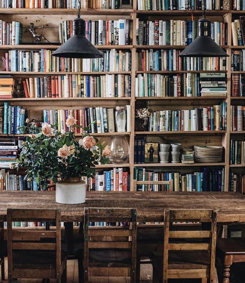 Cerco persone con cui avviare libreria e vineria a Bologna
