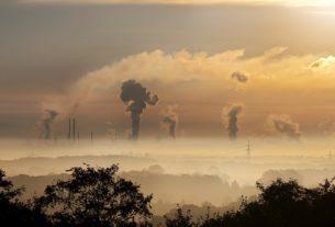 """Unione Europea: """"La crescita economica distrugge la salute dell'uomo e dell'ambiente"""""""