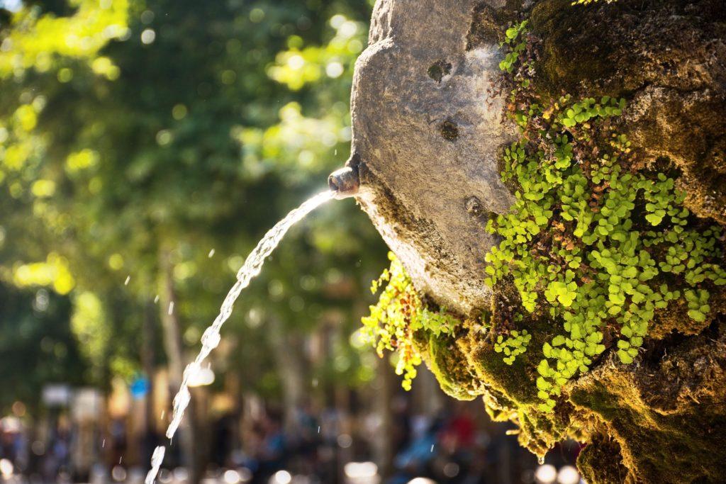 water fountain 3864464 1920