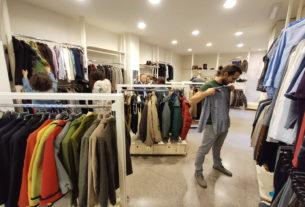 Un armadio di lavoro: l'emporio sociale che dona abiti a chi ha un colloquio