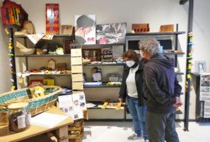 Sfusi e Riusi: il negozio alla spina che dà lavoro alle persone fragili