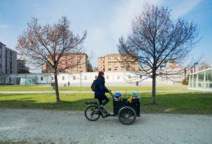 Cargomilla, la scuola su tre ruote che porta bambini e bambine in giro per la città