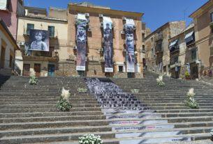 """Caltanissetta ricorda i """"carusi di Sicilia"""", i piccoli schiavi delle miniere di zolfo"""