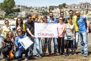 CleaNap: i giovani napoletani scendono in piazza per pulire la loro città