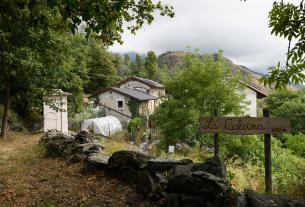 La Calcina: la nuova vita in montagna di una famiglia tra erbe aromatiche e officinali