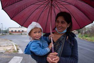 Campi rom: è arrivata l'ora di chiuderli e cambiare l'idea che abbiamo dei loro abitanti